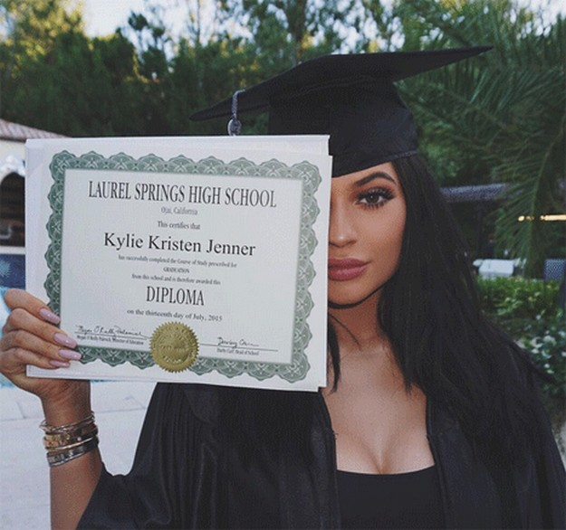Kylie Jenner Graduates High School Amp Shows Off Diploma