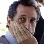 Anthony Weiner reports to prison to serve out his sentence