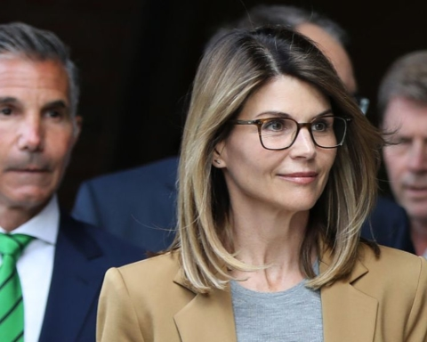 Lori Loughlin pleads not guilty